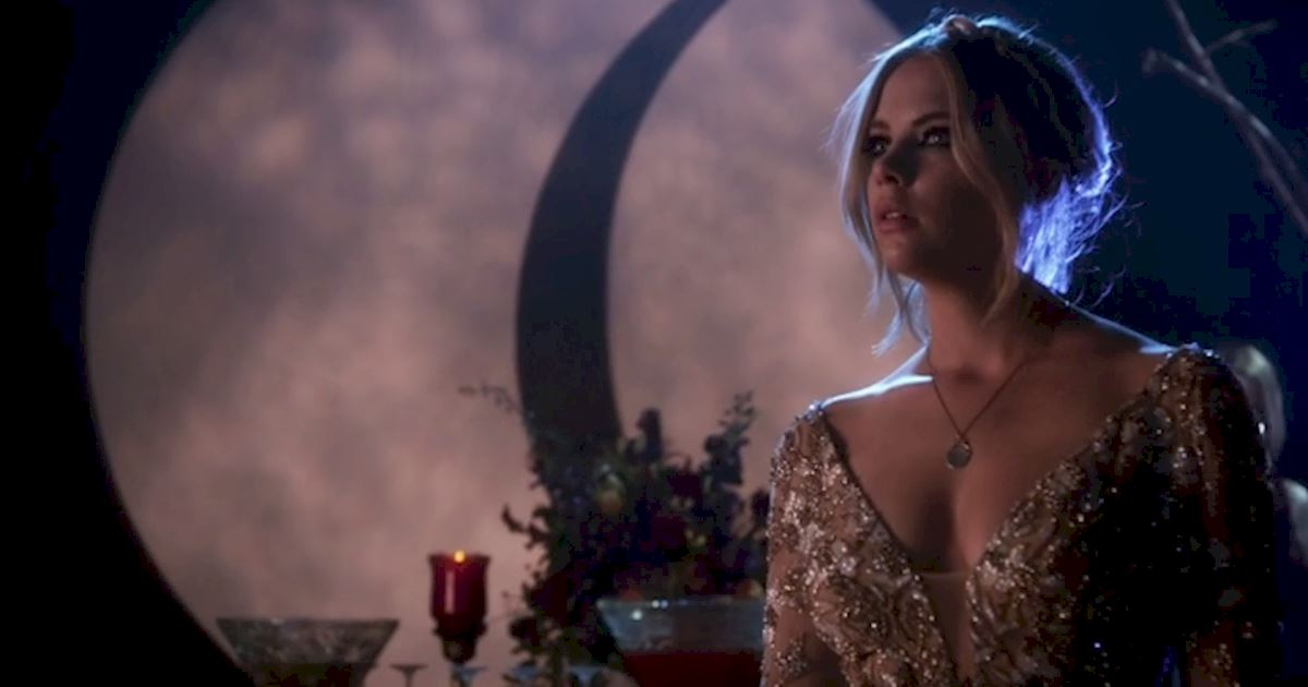 Pretty Little Liars - 5 Times The PLL Girls Wore Ball gowns Like A Boss - 1006