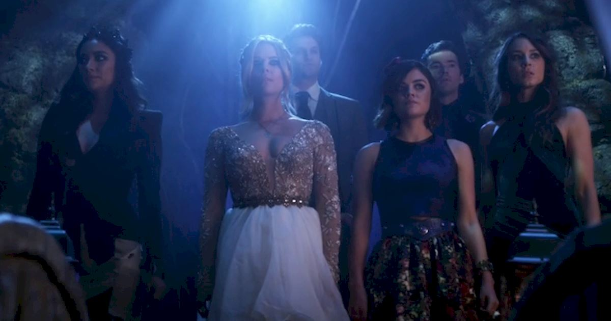 Pretty Little Liars - 5 Times The PLL Girls Wore Ball gowns Like A Boss - 1005