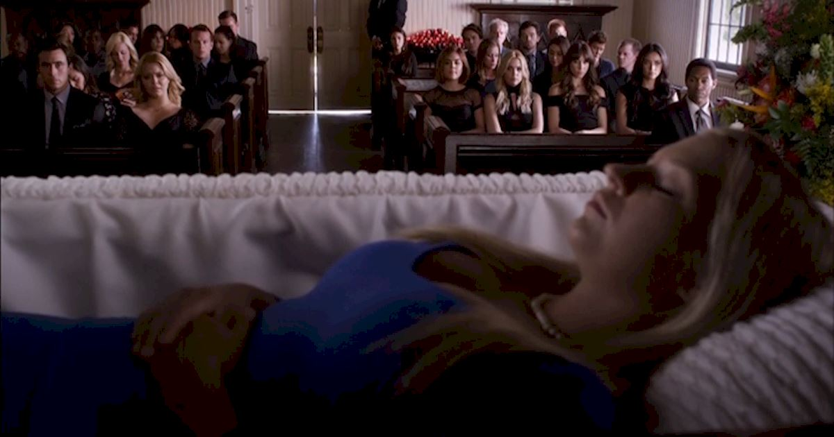 Pretty Little Liars - 13 Times PLL Brought Funeral Fashion To Life! - 1014