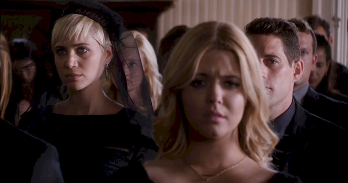 Pretty Little Liars - 13 Times PLL Brought Funeral Fashion To Life! - 1012