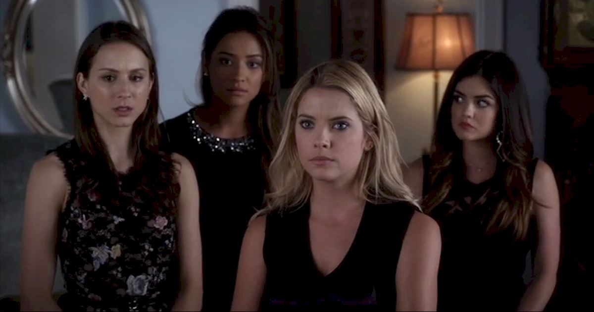 Pretty Little Liars - 13 Times PLL Brought Funeral Fashion To Life! - 1007