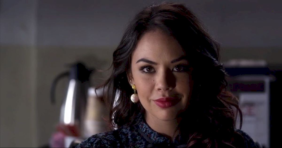 Pretty Little Liars - 10 Of Mona's Best Frenemy Moments - 1007