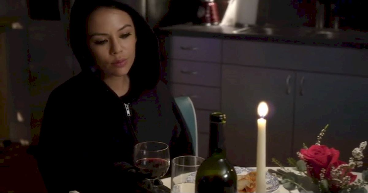 Pretty Little Liars - 10 Of Mona's Best Frenemy Moments - 1006