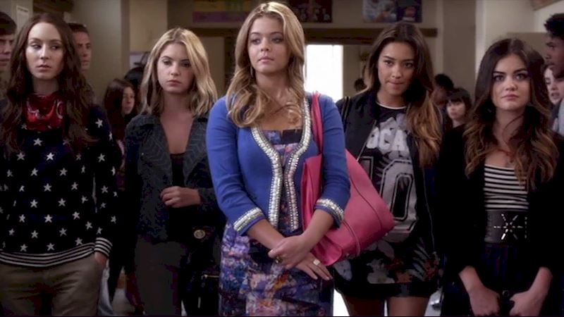 Pretty Little Liars - 10 Times Everyone Wondered Why The Liars Were Friends With Alison - Thumb