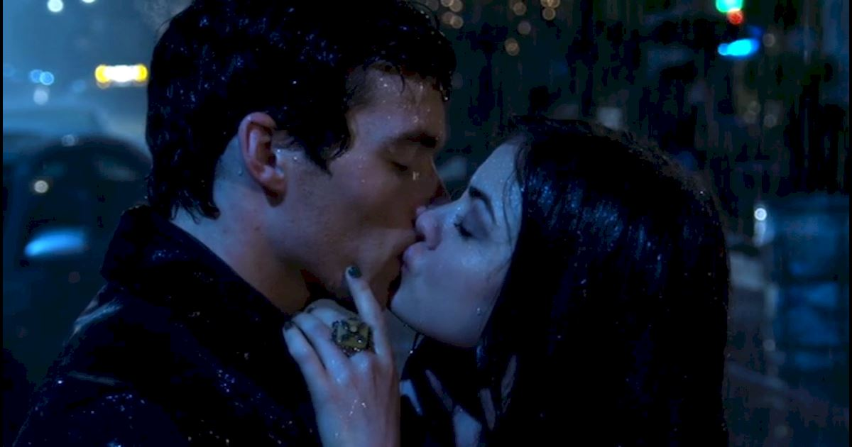 Pretty Little Liars - 18 Times Ezria Made Us Feel Way Too Much - 1010