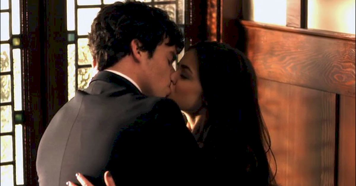 Pretty Little Liars - 18 Times Ezria Made Us Feel Way Too Much - 1002