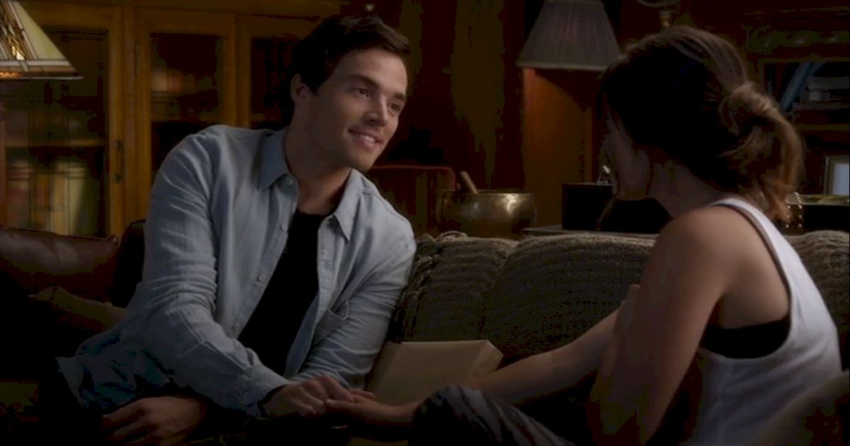 Pretty Little Liars - 18 Times Ezria Made Us Feel Way Too Much - 1018