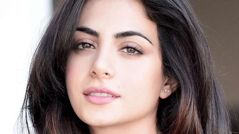 Shadowhunters - 9 Reasons To Fall In Love With Emeraude Toubia - Thumb
