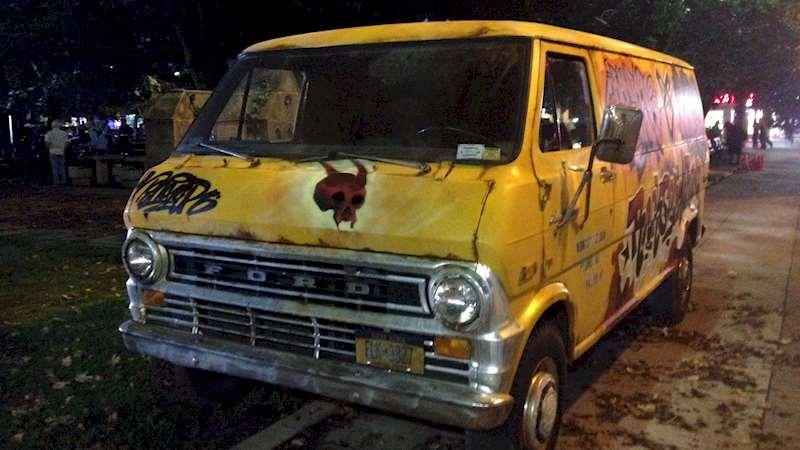 Shadowhunters - EXCLUSIVE: A Deeper Look At Simon's Yellow Van - Thumb