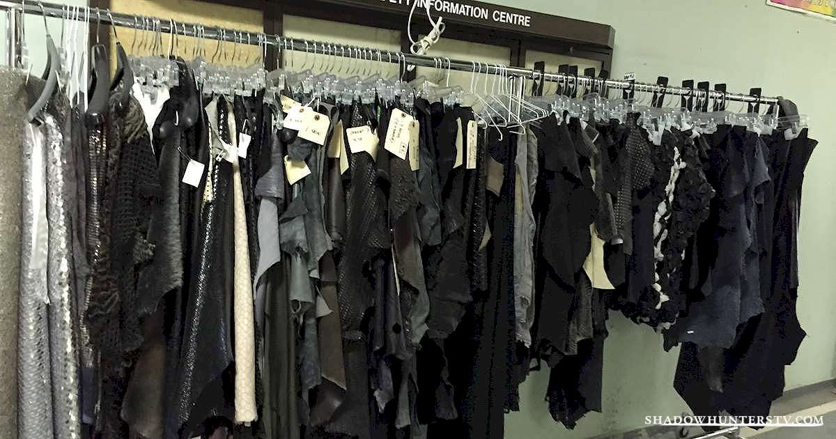 Shadowhunters - [EXCLUSIVE PHOTOS] Sneak Peek at the Shadowhunters' Costumes - 1005