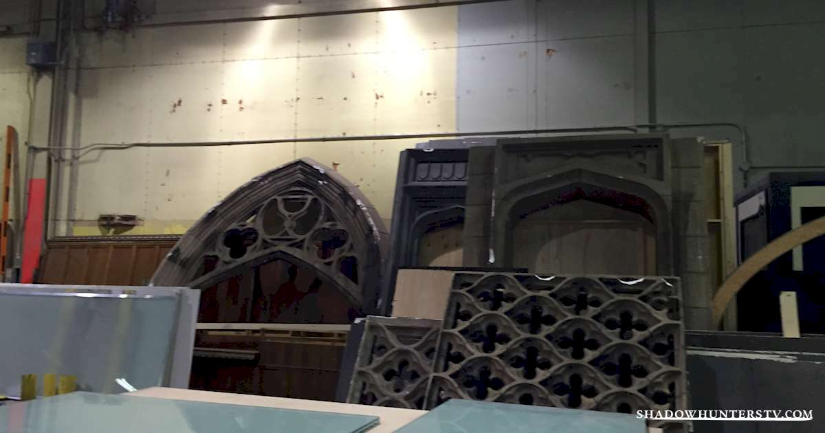 Shadowhunters - [EXCLUSIVE] The Making of Shadowhunters: Building the Institute - 1003