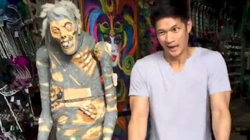 Shadowhunters - Exclusive! Chain Dance with Harry Shum, Jr.  - Thumb