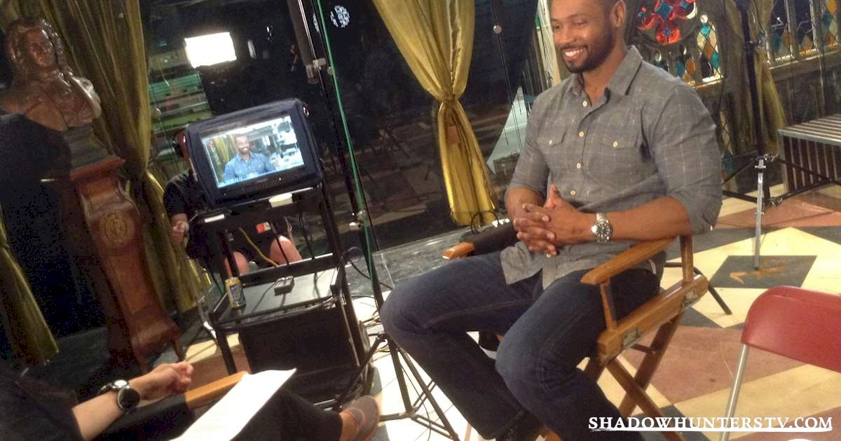 Shadowhunters - Behind the Scenes with Isaiah Mustafa  - 1006