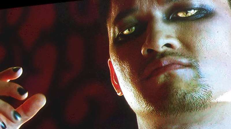 Shadowhunters - 8 Warlocky Reasons That Magnus Bane Rules - Thumb