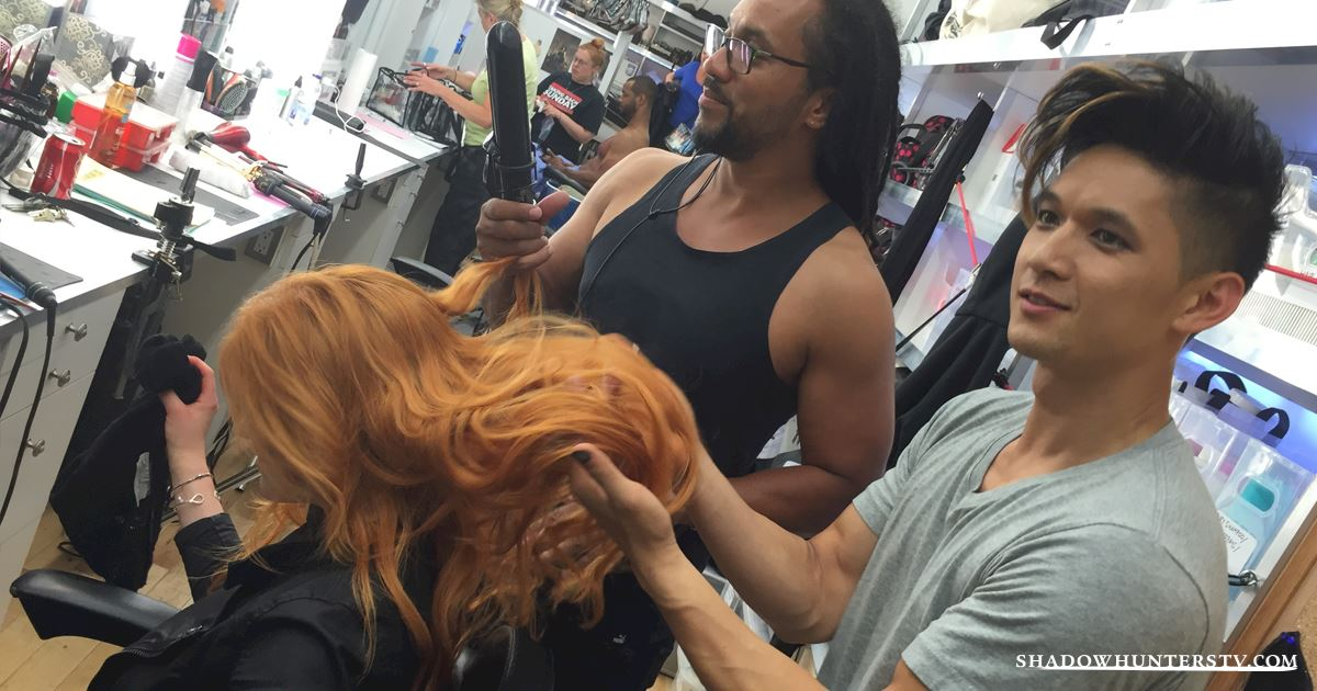 Shadowhunters - [EXCLUSIVE PHOTOS] Magnus: Warlock and Hair Stylist!  - 1006