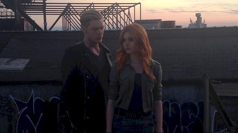 Shadowhunters - [EXCLUSIVE PHOTOS] 4 Reasons Why You Need These Clary And Jace Photos In Your Life! - Thumb