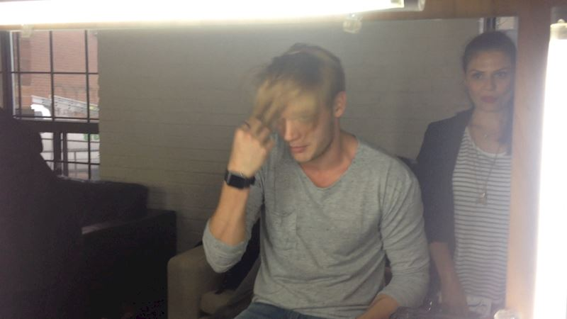 Shadowhunters - [EXCLUSIVE VIDEO] Dom Gets Freaky With His Hair - Thumb