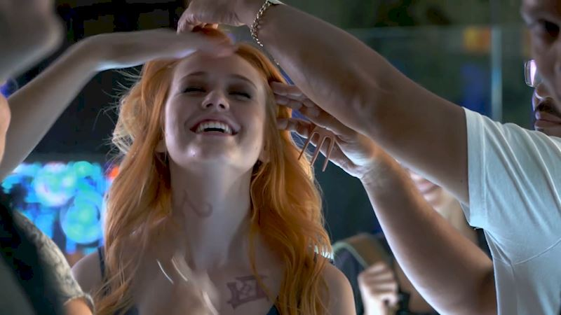 Shadowhunters - 15 Awesome Fan Reactions to Beyond The Shadows  - Thumb