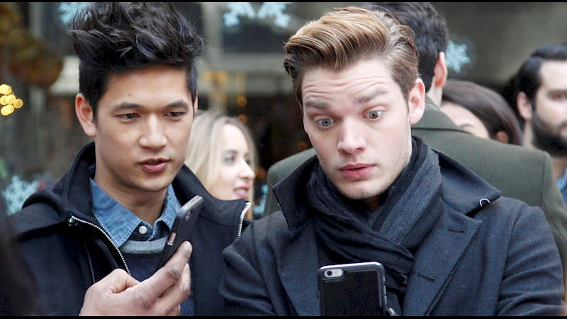Shadowhunters - LIVE Twitter Chat with the Shadowhunters Cast! - Thumb