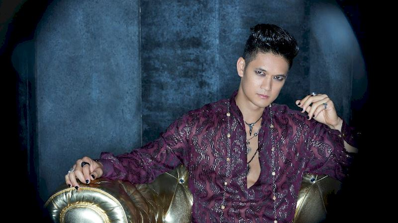 Shadowhunters - [QUIZ] How To Tell If You're Becoming Magnus Bane This New Year! - Thumb