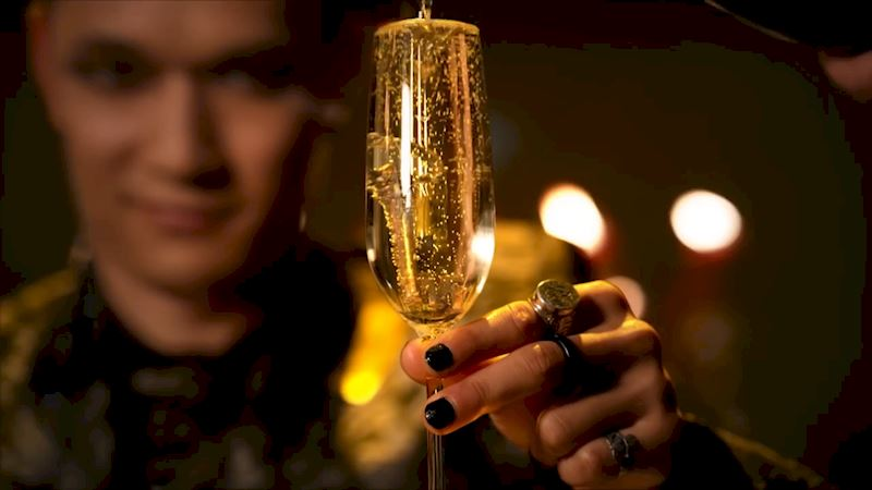 Shadowhunters - The 8 People You Always See On New Years Eve - Thumb