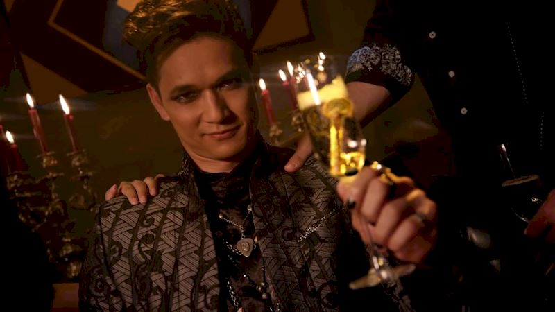 Shadowhunters - 10 Things Everyone Is Doing On New Year's Day - Thumb