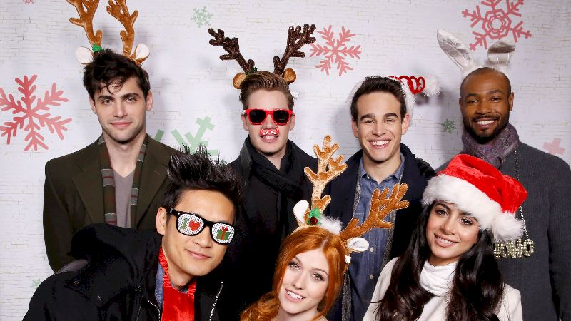 Shadowhunters - [EXCLUSIVE VIDEO] Shadowhunters Superfans Get A Festive Treat - Thumb