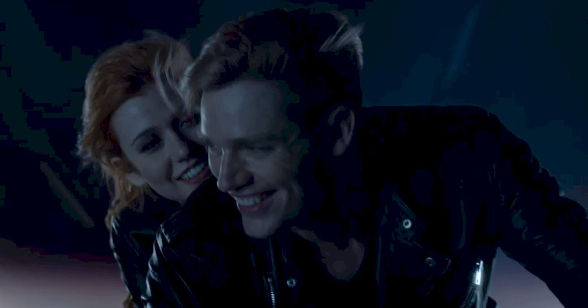 Shadowhunters - 40 Reasons You Need Jace As Your Bodyguard! - 1020