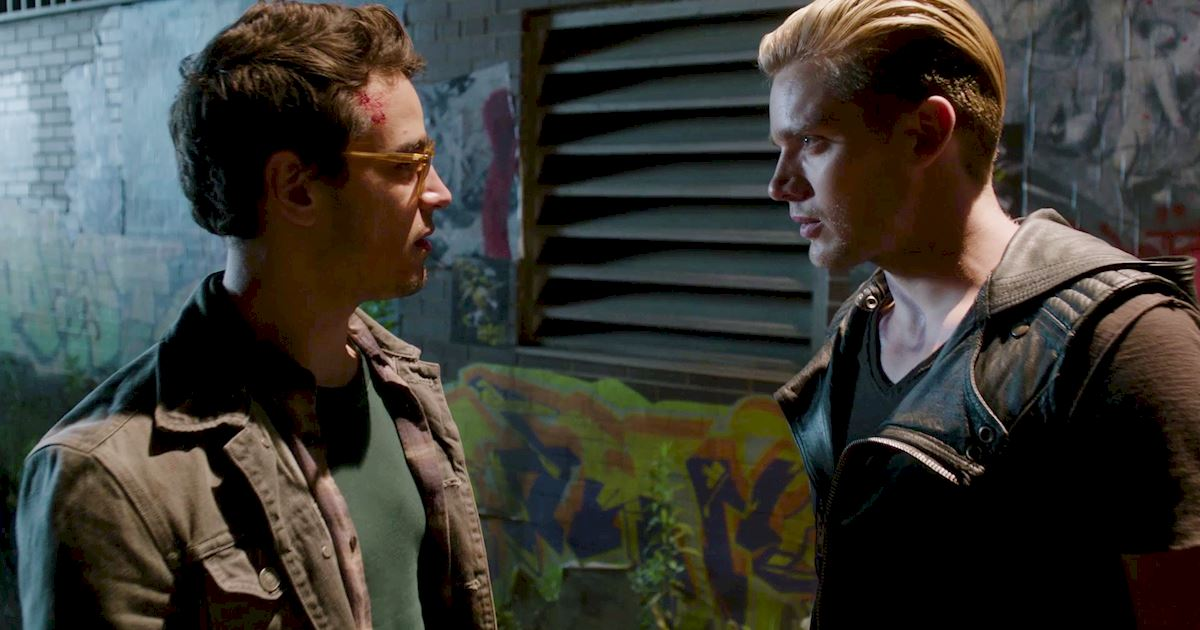 Shadowhunters - 40 Reasons You Need Jace As Your Bodyguard! - 1006