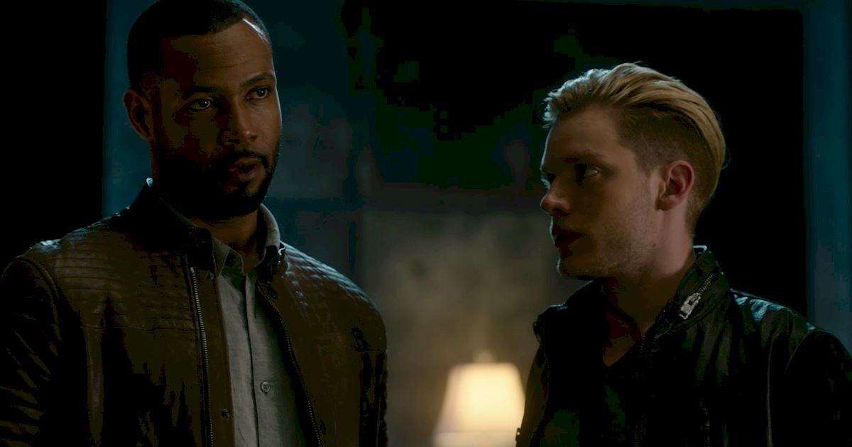 Shadowhunters - 40 Reasons You Need Jace As Your Bodyguard! - 1035