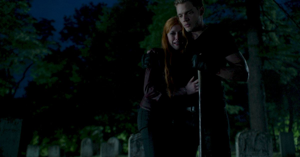 Shadowhunters - 40 Reasons You Need Jace As Your Bodyguard! - 1031
