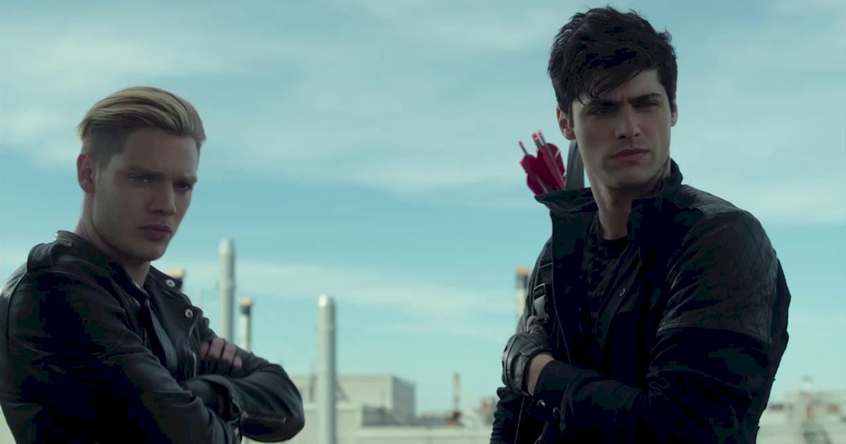 Shadowhunters - 40 Reasons You Need Jace As Your Bodyguard! - 1014