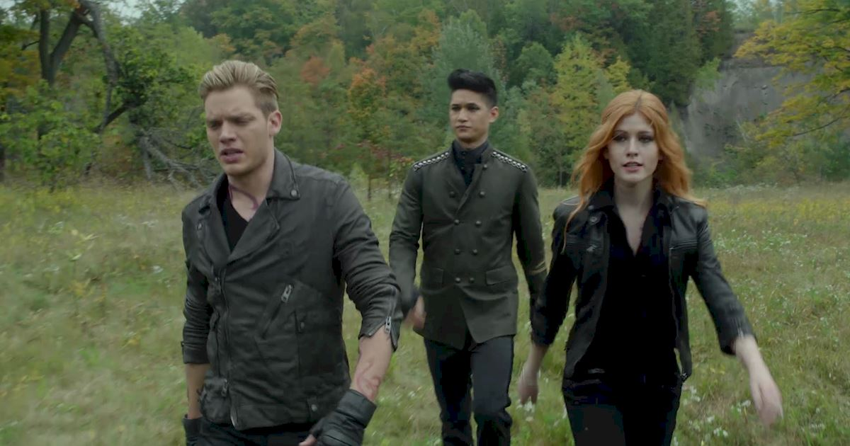 Shadowhunters - 40 Reasons You Need Jace As Your Bodyguard! - 1039