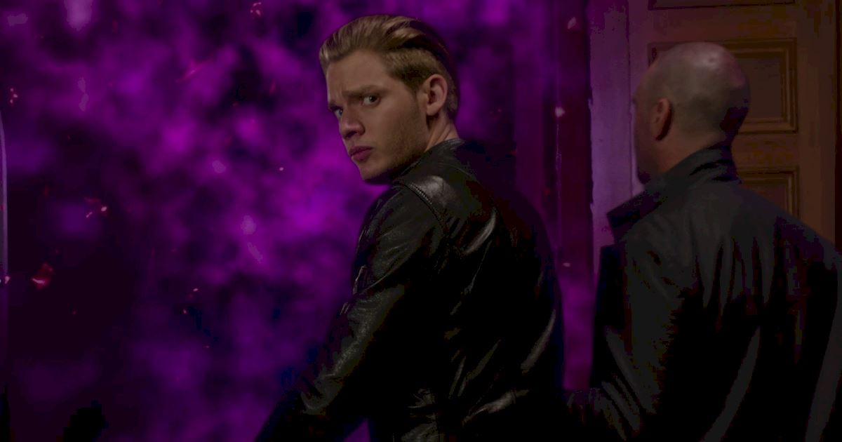 Shadowhunters - 40 Reasons You Need Jace As Your Bodyguard! - 1041
