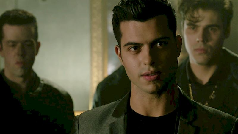 Shadowhunters - 22 Times Raphael Slayed Us! - Thumb