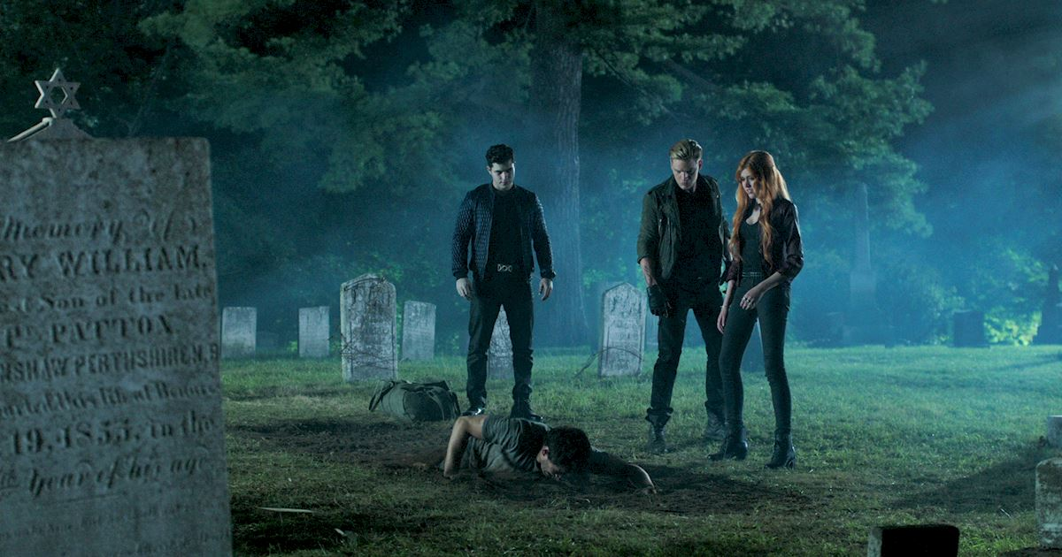 Shadowhunters - 22 Times Raphael Slayed Us! - 1011