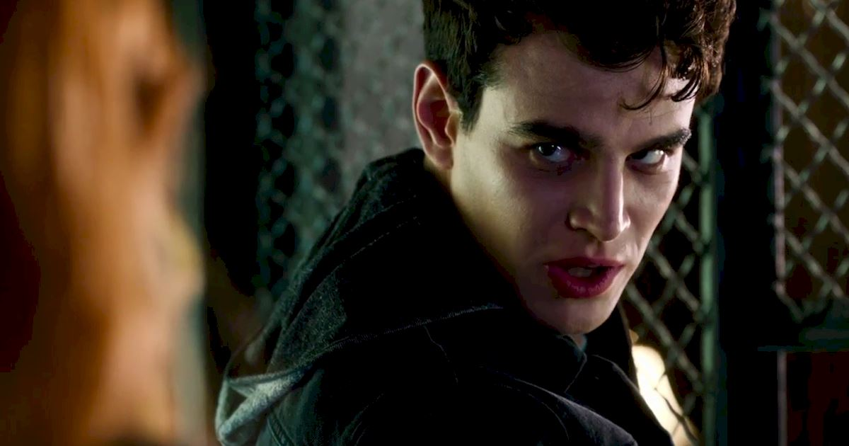 Shadowhunters - 22 Times Raphael Slayed Us! - 1021