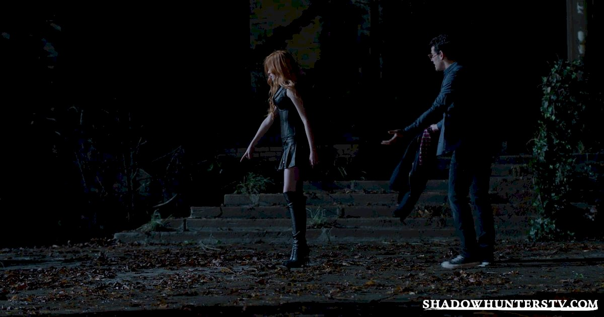 Shadowhunters - 26 Things We Learned From The Shadowhunters Premiere - 1029