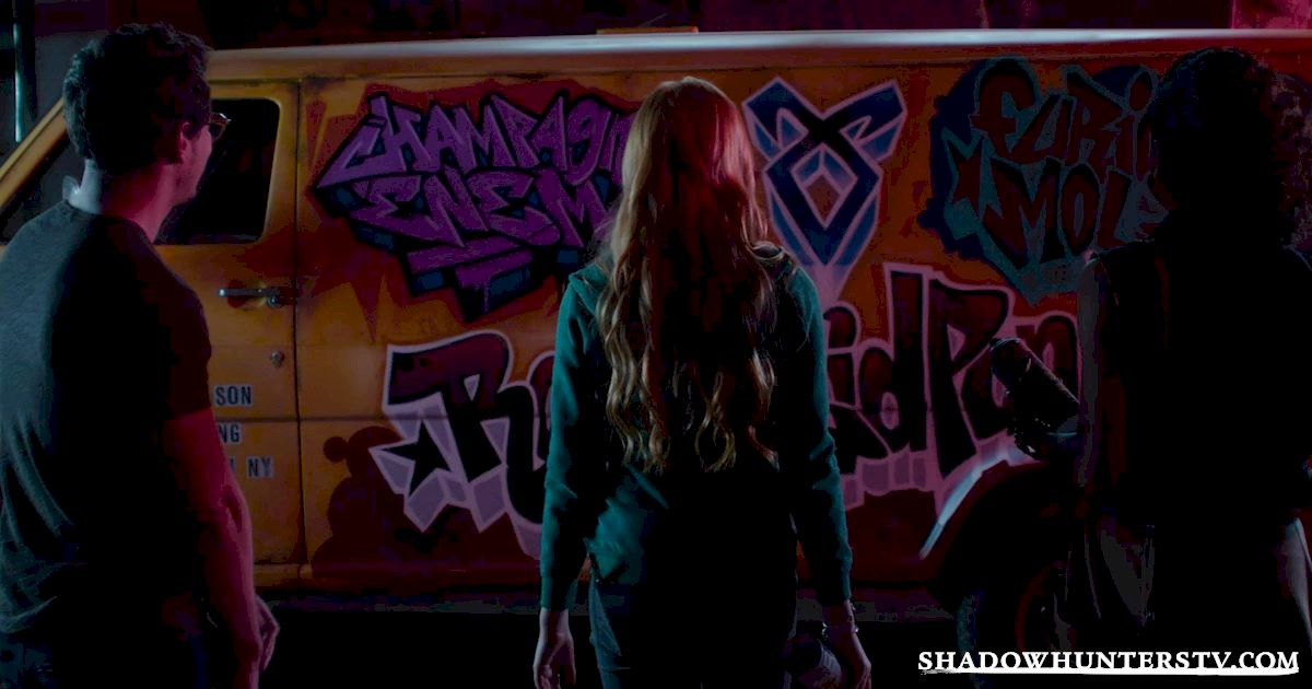 Shadowhunters - 26 Things We Learned From The Shadowhunters Premiere - 1011