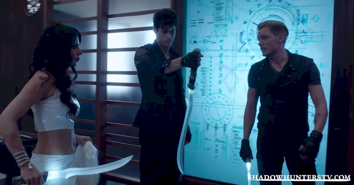 Shadowhunters - 26 Things We Learned From The Shadowhunters Premiere - 1016