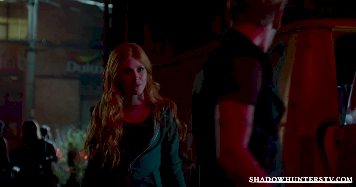 Shadowhunters - 26 Things We Learned From The Shadowhunters Premiere - 1012