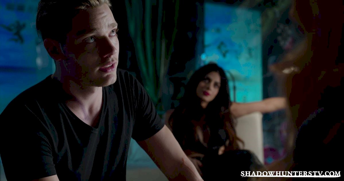 Shadowhunters - 26 Things We Learned From The Shadowhunters Premiere - 1026
