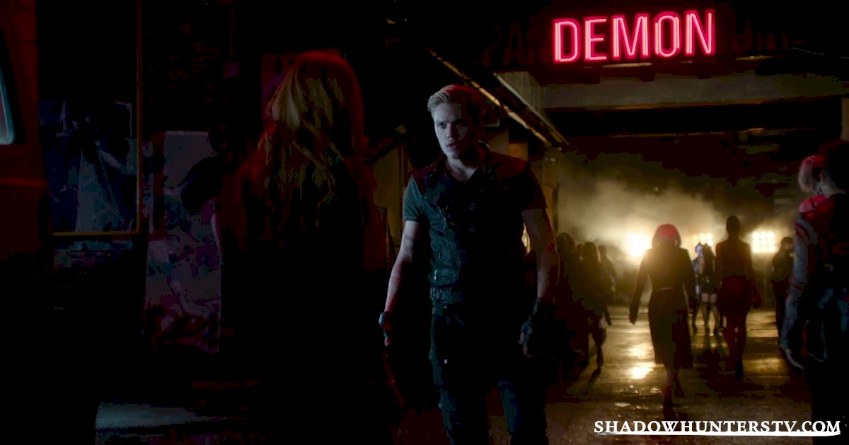 "Shadowhunters - Episode 101: ""The Mortal Cup"" Official Recap - 1004"