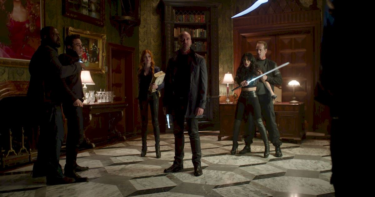 Shadowhunters - Was Magnus Right? Is Warlock Tracking The Most Powerful Form of Tracking? - 1006