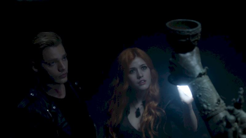 Shadowhunters - [EXCLUSIVE] Episode 2 Sneak Peek! - Thumb