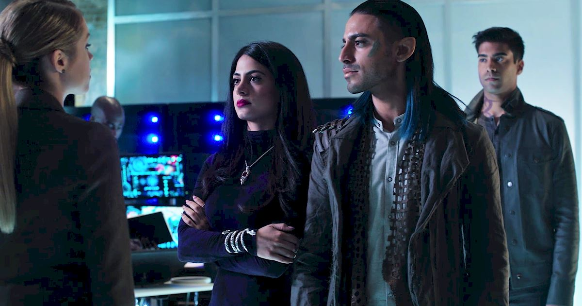 Shadowhunters - Shadowhunters Fashion: Izzy Vs. Magnus - 1010