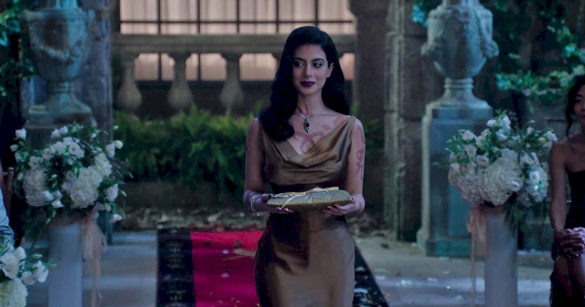 Shadowhunters - Shadowhunters Fashion: Izzy Vs. Magnus - 1014