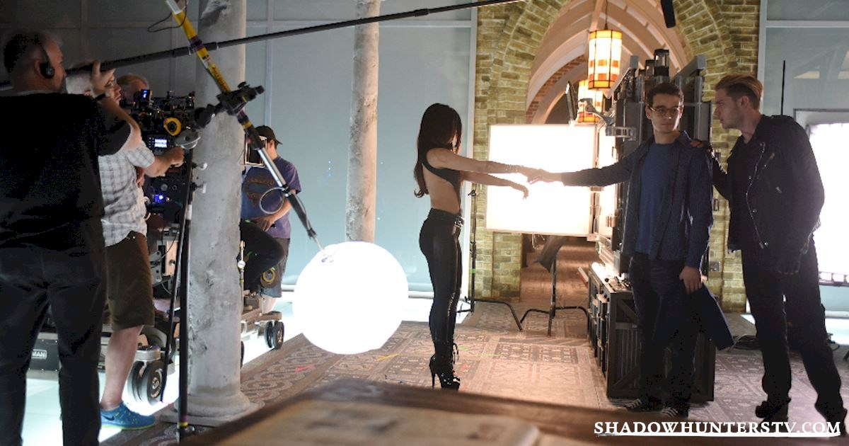 Shadowhunters - Episode 102: Behind The Scenes Photos! - 1005