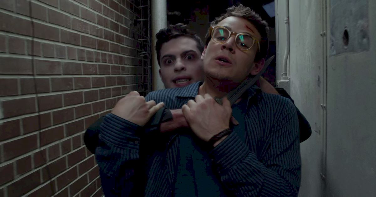 Shadowhunters - 10 Reasons Why You Would Not Want To Be Raphael's Hostage! - 1010