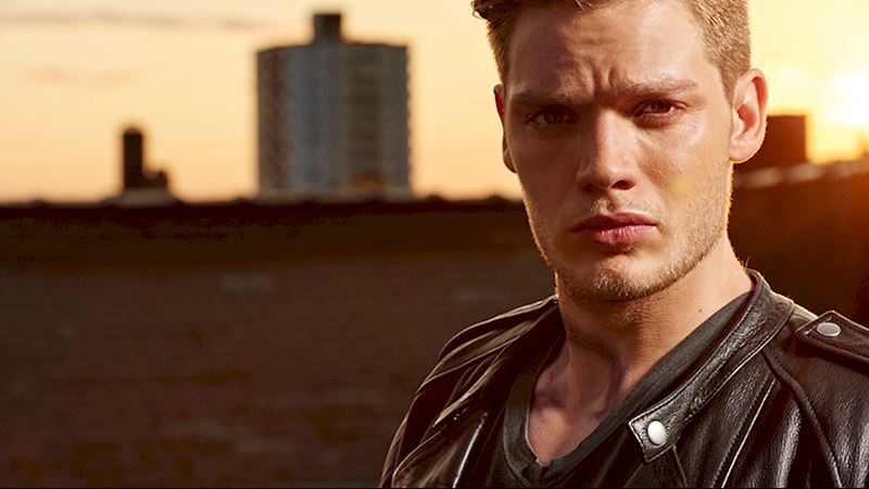 Shadowhunters - [VIDEO] Getting Up Close And Personal: Jace Wayland - Thumb